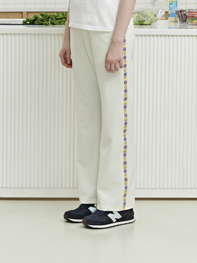 FLOWER SIDE LINE PANTS [WHITE]